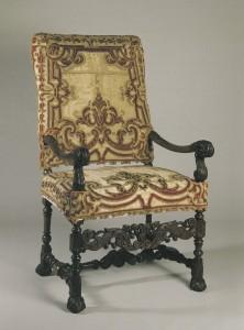 写真4.1ルイ14世肘掛け椅子のコピー