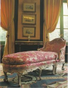 写真4.6ルイ15世様式肘掛け長椅子のコピー